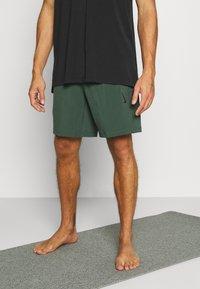 Nike Performance - SHORT - Pantaloncini sportivi - galactic jade - 0