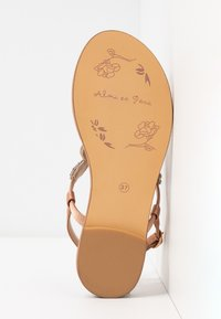 Alma en Pena - T-bar sandals - old pink - 6