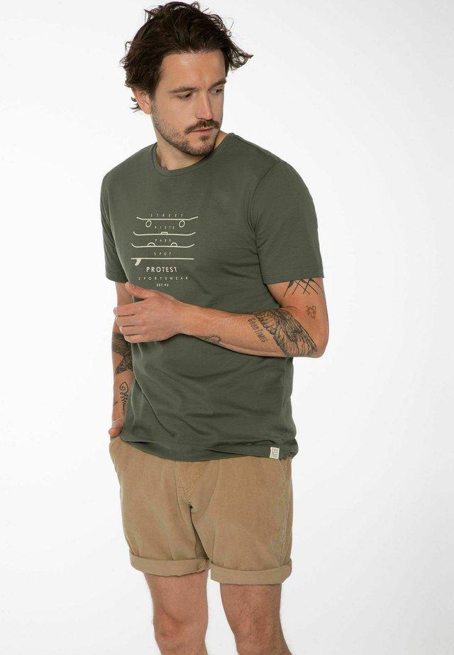 HARWELL - T-shirt print - spruce