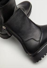 Mango - HECTOR2 - Ankle boots - czarny - 6