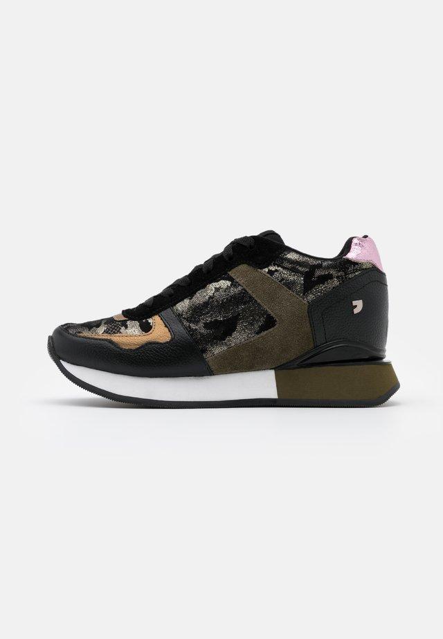 SHUYA - Sneakers basse - verde