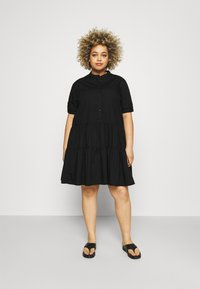 Vero Moda Curve - VMDELTA DRESS - Robe chemise - black - 0