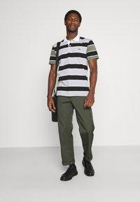 Lacoste - Polo shirt - argent/noir/blanc - 1