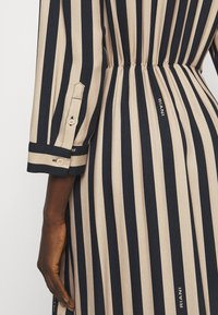 RIANI - KLEID - Denní šaty - beige - 4