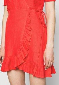 Forever New - BOSTON WRAP SKATER DRESS - Robe d'été - red - 5