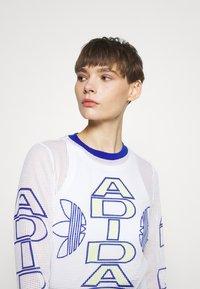 adidas Originals - VARSITY - Camiseta de manga larga - white - 3
