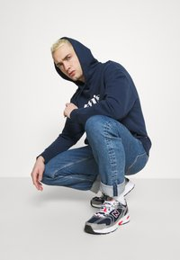 Levi's® - RELAXED GRAPHIC - Huppari - blues - 3