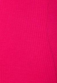 Glamorous Bloom - BODYCON MIDI DRESS WITH WIDE STRAPS AND LOW SQUARE NECKL - Žerzejové šaty - hot pink - 2