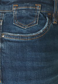 edc by Esprit - Szorty jeansowe - blue dark wash - 2