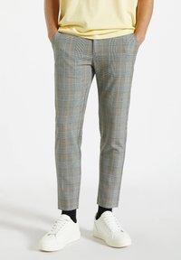PULL&BEAR - Pantalon classique - mottled dark grey - 0