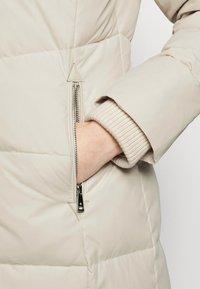 Lauren Ralph Lauren - HAND COAT HOOD - Down coat - moda cream - 8