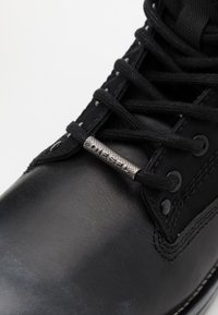 Diesel - THROUPER D-THROUPER DBBZ BOOTS - Lace-up ankle boots - black - 5