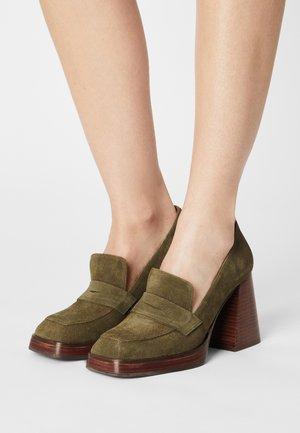 Platform heels - olive