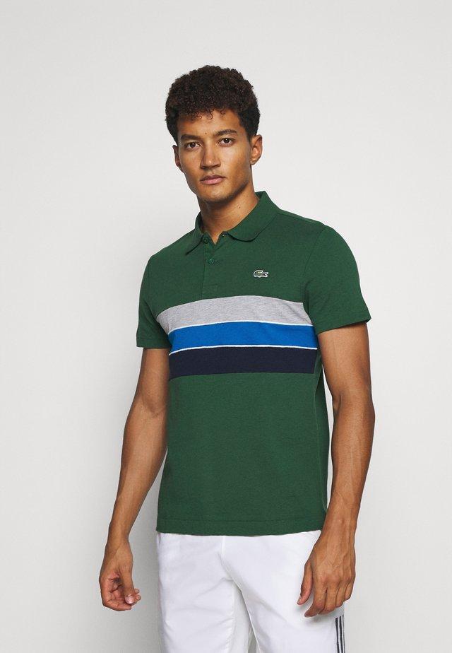 RAINBOW STRIPES - Polo - green/navy blue-utramarine/silver chine/white