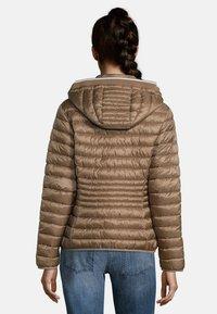 Betty Barclay - MIT STEHKRAGEN - Winter jacket - classic bronze - 0