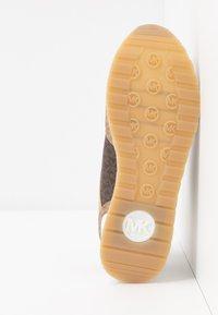 MICHAEL Michael Kors - BILLIE TRAINER - Sneakers basse - multi - 6