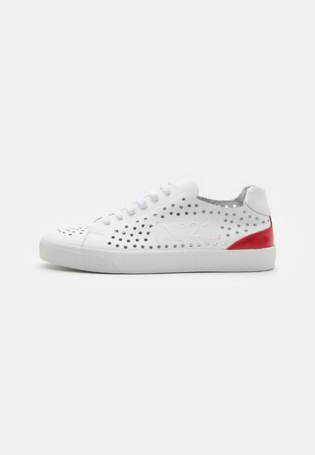 GYMNIC - Baskets basses - white/red