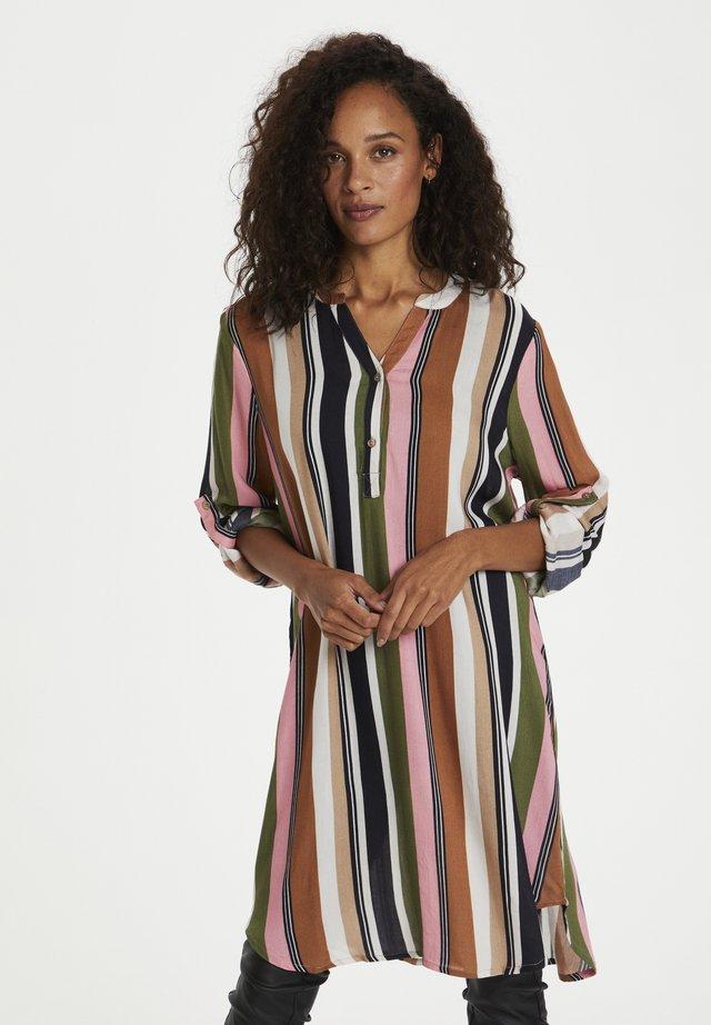 Sukienka letnia - green / pink stripe print