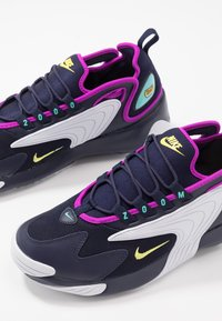 Nike Sportswear - ZOOM  - Sneakers - blackened blue/dynamic yellow/white/aurora green/hyper violet - 5