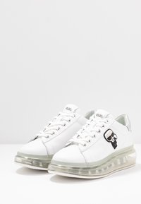 KARL LAGERFELD - KAPRI KUSHION IKONIC LACE - Sneakers - white/silver - 4