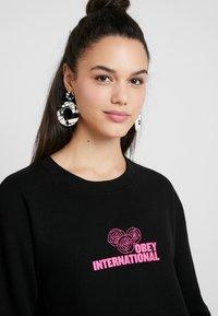 Obey Clothing - INTERNATIONAL FLEUR - Sweatshirt - black - 3