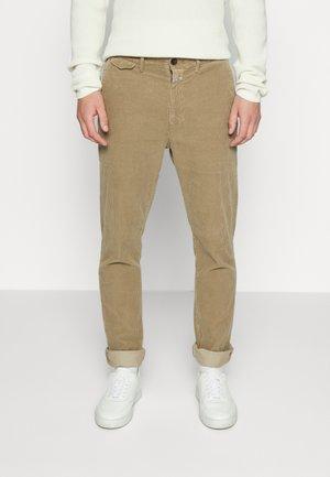ATELIER - Trousers - american elm