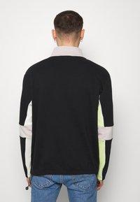 Mennace - REPEAT EMBROIDERY PANEL OVERHEAD - Bluza - black - 2