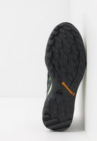 adidas Performance - TERREX SWIFT R2 GORE-TEX - Hikingsko - core black/dough solid grey/signal green - 4