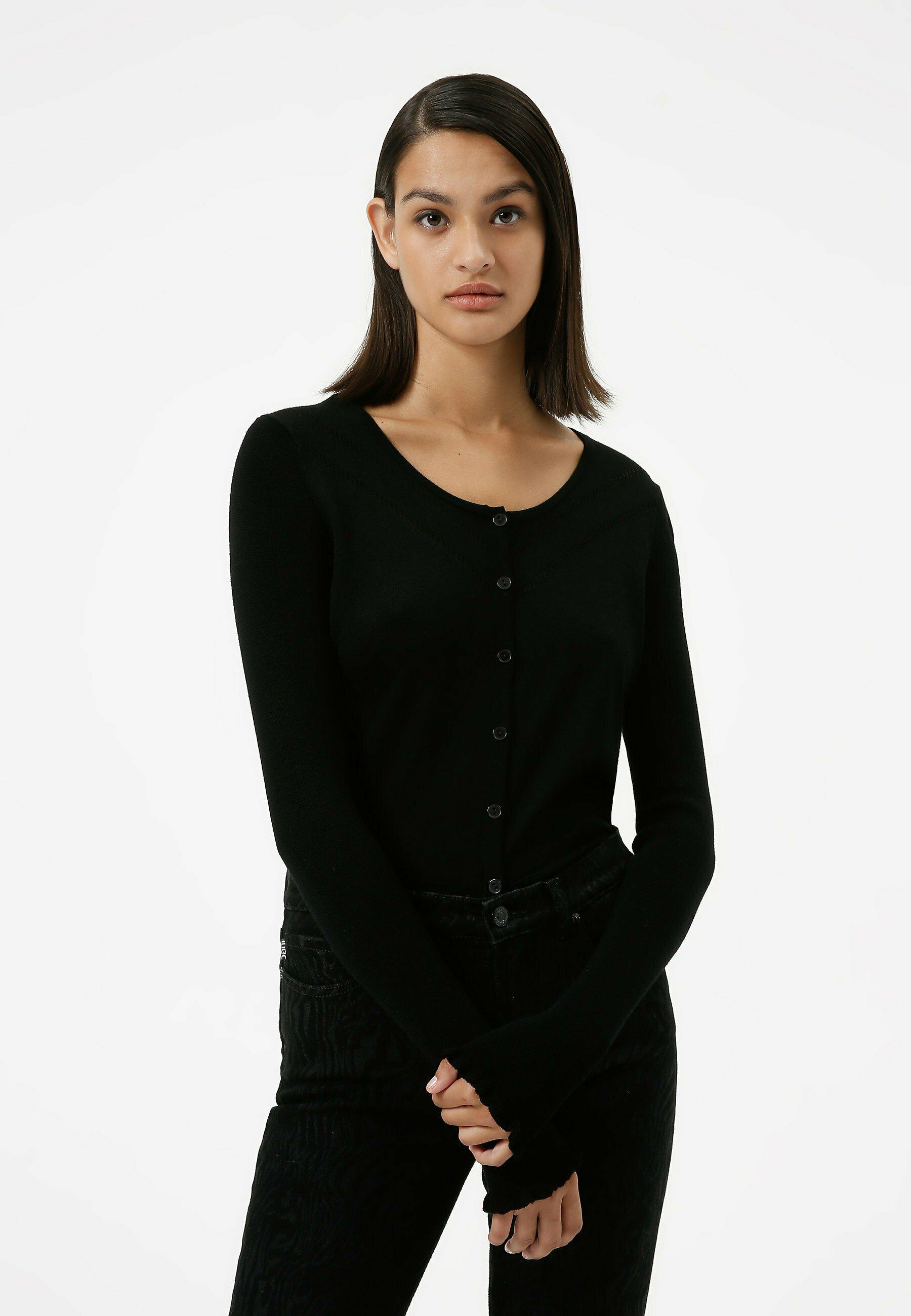 Donna Cardigan