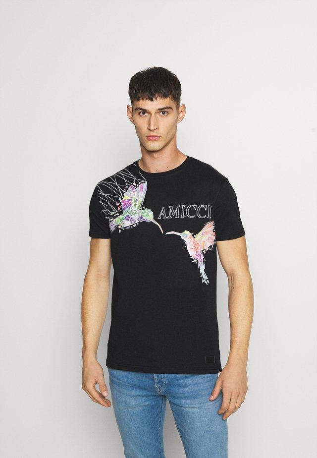 FERRARA - T-shirt print - black