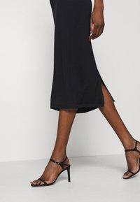 Stylein - RENE - Pouzdrová sukně - navy - 3