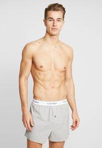 Calvin Klein Underwear - SLIM FIT 2 PACK - Bokserki - grey - 1
