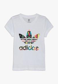 adidas Originals - TEE - T-shirt med print - white - 0
