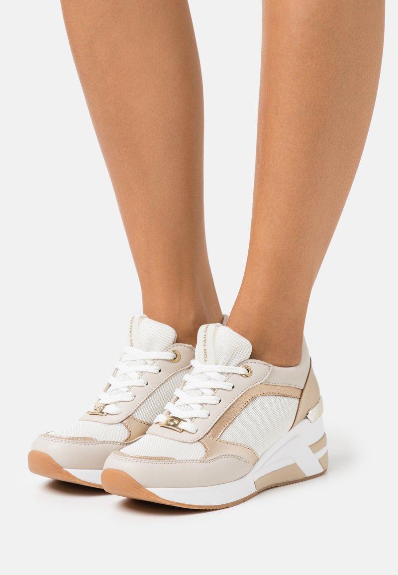TOM TAILOR - Sneakers alte - beige
