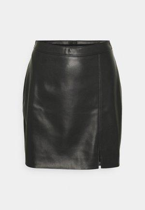 SEPT CHAIN SKIRT - Pouzdrová sukně - black