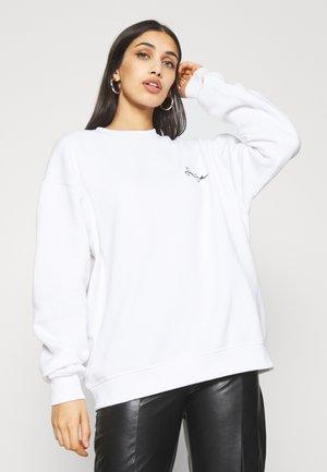 SJXMG SCRIPT LOGO CREW NECK - Sweatshirt - white