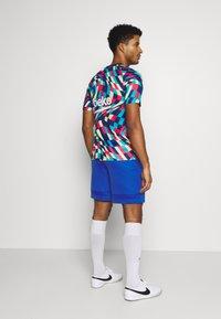 Nike Performance - SHORT - Sports shorts - game royal - 2