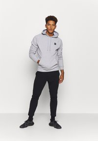 Under Armour - RIVAL  - Bluza z kapturem - mod gray light heather - 1