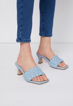 Sandaler - light blue