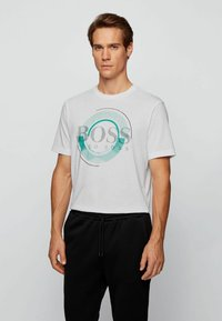 BOSS - T-shirt imprimé - white - 0