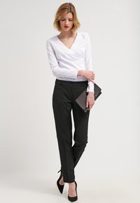 More & More - HEDY - Trousers - schwarz - 1