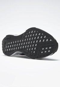 Reebok - Stabilty running shoes - black - 4