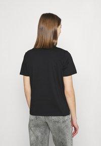 Pieces - PCDREA TEE - Print T-shirt - black - 2