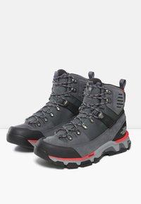 The North Face - M CRESTVALE FUTURELIGHT - Hiking shoes - zinc grey/tnf black - 2