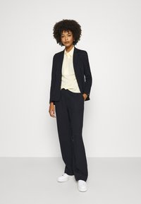 Tommy Hilfiger - DANEE HALF PLACKET - Button-down blouse - posy/ sunray - 1