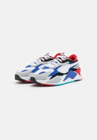Puma - RS-X UNISEX - Sneaker low - white/dazzling blue/hi rise - 1