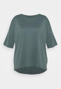 Even&Odd Curvy - Basic T-shirt - green - 0