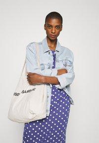 Anna Field - Vestido de tubo - white/blue - 3