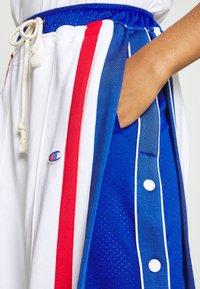 Champion Reverse Weave - WIDE LEG PANTS - Tracksuit bottoms - white - 4
