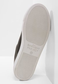 GARMENT PROJECT - TYPE - Sneakers - black - 6